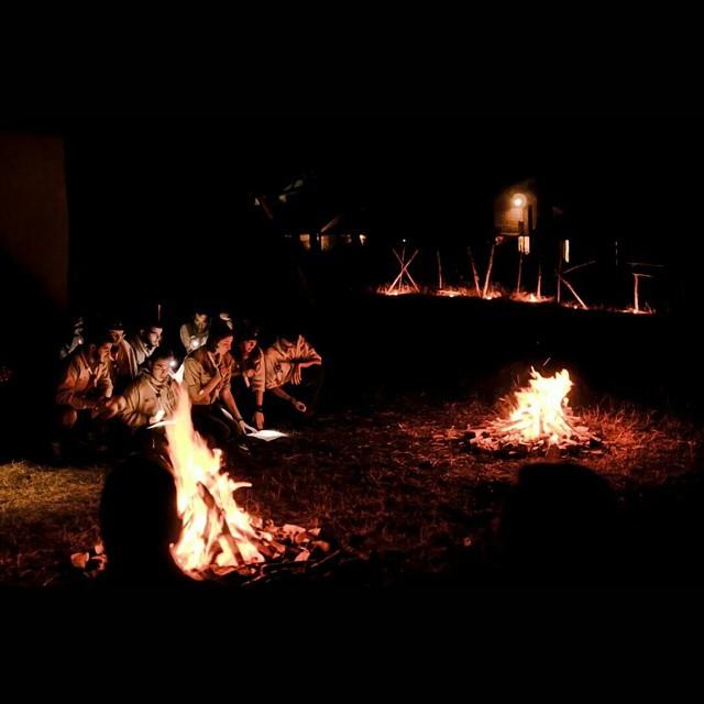 La luce della fiamma rischiara i nostri volti ⛺?#cfq #assoraider #scoutcamp #scoutmate #scoutlover #scoutgram #scoutleader #scouts #summercamp #scuolacapi #instascout #instanature #instacamp #followscout #follow #escoteiro #escotismo #scoutismo #scout #soyscout #fire #firecamp #jamboree #fuocodibivacco
